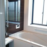LIXILのシステムバスと内窓「インプラス」で高断熱の暖かいお風呂に 加古川市N様邸(一戸建て、浴室・洗面所リフォーム)