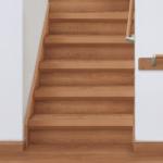 【1~2日でお手軽リフォーム】古い階段に重ね張りして美しく【加古川市・高砂市でリフォームならウオハシ】
