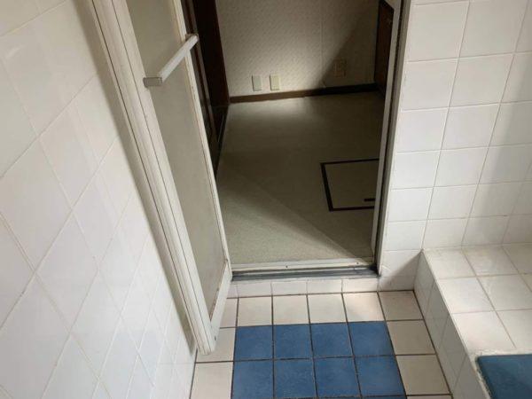 お風呂入り口