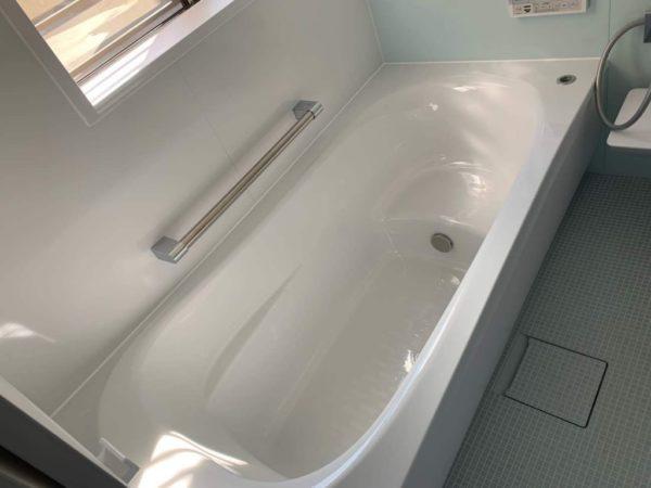 ベンチタイプ浴槽