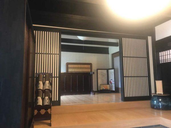 和風な玄関ホール