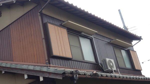 外壁板金貼り